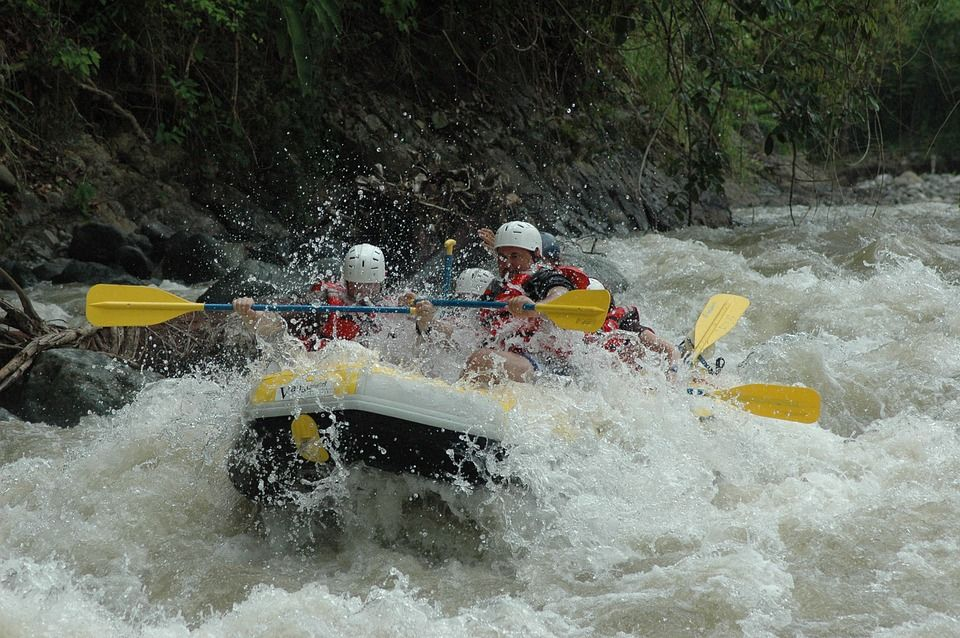 rafting at teesta